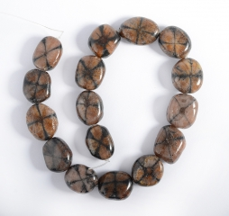 Chiastolith Nugget-Strang 25 mm