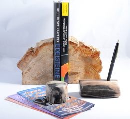 Combi-Offer pen holder & paper weight & bookend